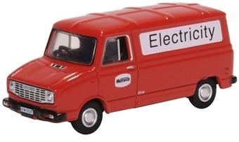 76SHP008 Leyland Sherpa Van Manweb Electricity