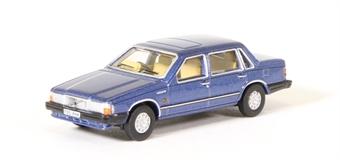 76VO003 Volvo 760 Blue Metallic