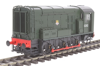 7D-008-001 Class 08 shunter 13282 in BR green with early crest and no yellow warning panels