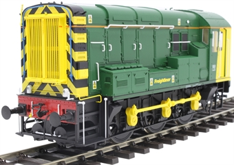 7D-008-016U Class 08 shunter in Freightliner green - unnumbered