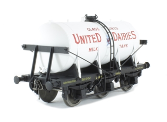 7F-031-000 6-wheel milk tanker in 'United Dairies' livery