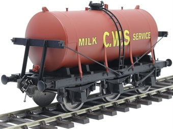 7F-031-002 6-wheel milk tanker in 'CWS' red livery