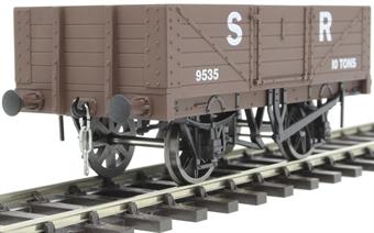 7F-051-027 5 plank open wagon in SR brown