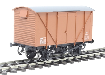 7F-056-015 12-ton van with plywood sides B765401 in BR bauxite