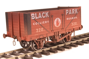 "7F-071-038W 7-plank open wagon ""Black Park, Ruabon"" - weathered"
