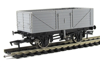 A002 7 plank wagon - unpainted