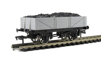 A005 Unpainted 4 plank wagon