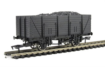 A007 Unpainted 9 plank wagon