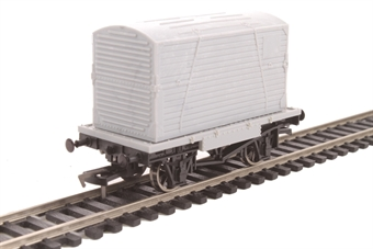 A020 Unpainted conflat and container