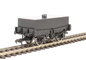 A022 Unpainted rectangular tank wagon