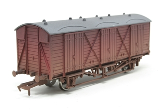 B745SpecW-PO01 Fruit 'D' wagon in BR maroon livery W2010 - weathered. Hattons limited edition of 300 - Pre-owned - Like new