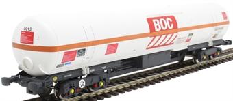 BOC20 100 ton BOC tank in BOC Liquid Nitrogen livery with red stripe and GPS bogies - 0013