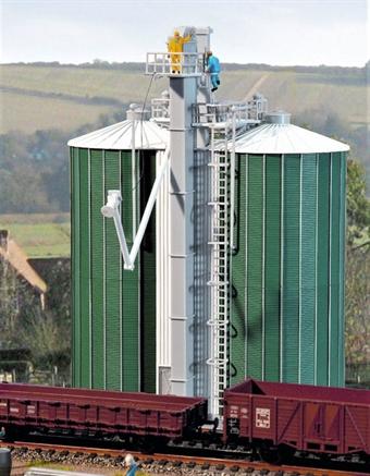 GM427 Grain silos - plastic kit