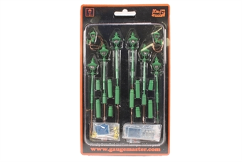 GM862 Pack of six Taper Post oil lamps and two wall lamps - BR / SR green