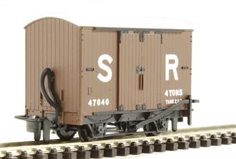 GR-221E 4-wheel box van 47040 in Southern Railway brown