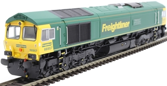 """H4-66-018-S Class 66 66957 in Freightliner livery """"Stephenson Locomotive Society 1909 - 2009"""" - Sound Fitted"""