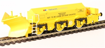 H4-BH-006 Beilhack snow plough (ex Class 45) ZZA ADB966099 in BR yellow with NSE Branding £43
