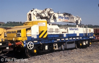 H4-GPC-010 YOB Plasser 12t GPC crane DRP81532 in Balfour Beatty white and blue (1999-Present) £69