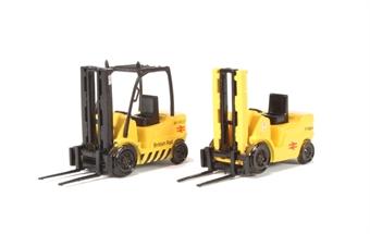 L16 Pack of two Forklift trucks - British Rail