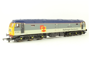 """L204903 Class 47 47306 """"The Sapper"""" in Railfreight Distribution grey"""