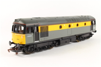 L205030 Class 33 33065 in Dutch grey and yellow
