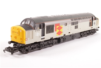 L205285a Class 37 37673 in Railfreight Distribution grey