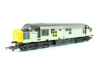 L205297a Class 37 37223 in Railfreight Coal grey
