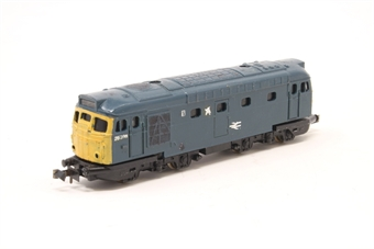 N204-PO04 Class 26 26008 in BR Blue - Pre-owned - renumbered from Class 27 and repainted - worn decals - incorrect box £36