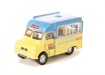 NCA003 Bedford CA Ice Cream Lyons Maid