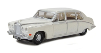 NDS001 Daimler DS420 Limousine in Old English White