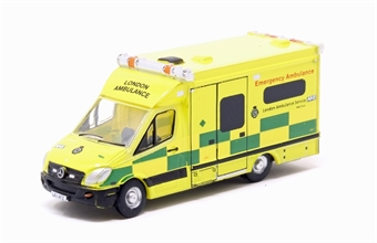 NMA002 Mercedes Ambulance London £5.50