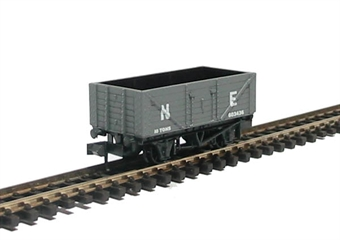 NR-41E 7 Plank Coal Wagon in LNER Grey