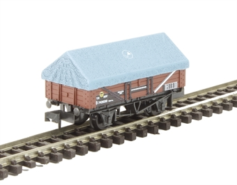NR-51 5-plank open china clay wagon in BR bauxite with hood £10.50