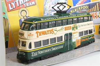 """OM43501-LN05 Blackpool Balloon d/deck tram No.726 in """"Thwaites"""" Ad. livery - Pre-owned - Like new £29"""