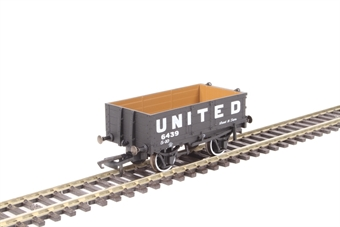 """OR76MW4006 4 plank wagon - """"United Collieries"""""""