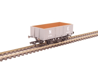 OR76MW6001C 6-plank mineral wagon 150475 in LNER grey