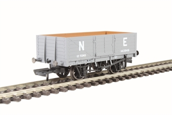 OR76MW6001 6 plank wagon in LNER grey