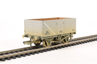 OR76MW7015 7 plank wagon in BR grey - weathered