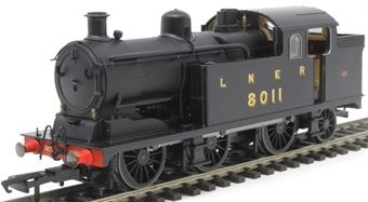 OR76N7002 Class N7 0-6-2T 8011 in LNER black