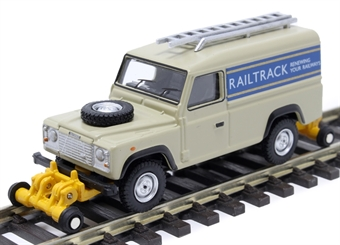 "OR76ROR001 Land Rover Defender 110 with posable rail wheels - ""Railtrack"" - non-motorised"