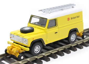 "OR76ROR003 Land Rover Defender 110 with posable rail wheels - ""British Rail"" - non-motorised £6.50"