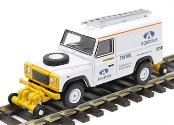 """OR76ROR004 Land Rover Defender 110 with posable rail wheels - """"Aquarius Rail Technology"""" - non-motorised"""