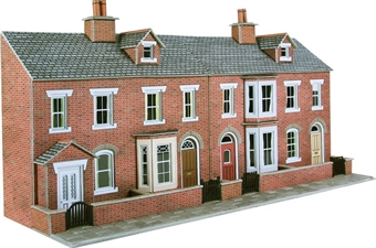 PO274 Low relief terrace house fronts - red brick (128w x 73d x 125h mm) £10
