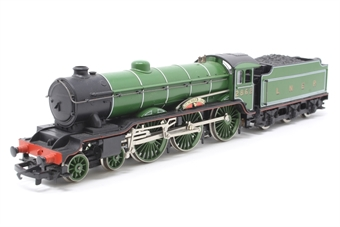 R053-PO07 Class B17 4-6-0 'Manchester United' 2862 in LNER Green - Pre-owned - Driving wheels jam in reverse, replacement box