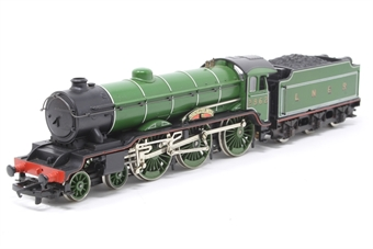 R053-PO12 Class B17 4-6-0 'Manchester United' 2862 in LNER Green - Pre-owned - loose tender body, imperfect box