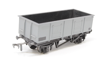 R102Mineral-PO07 Mineral wagon in BR Grey - Pre-owned - repainted, original couplings replaced with old style Dublo ones, replacement box