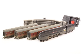 R1060-PO01 'Coming Home' train set - limited edition for V E Day 60th anniversary - Pre-owned - Like new
