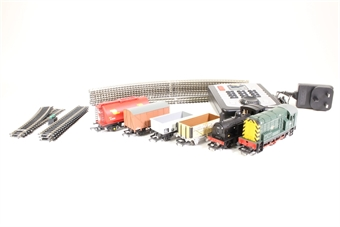R1126-PO12 Mixed Freight DCC digital train set with Class 08 0-6-0 BR diesel electric loco, steam loco & 4 wagons - Pre-owned - Body loose from chassis on class 08 due to damaged connection clips, imperfect box