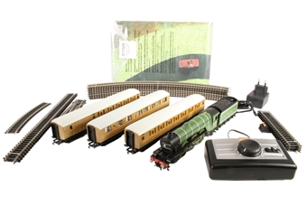 R1167P Flying Scotsman Set with 3 x LNER coaches (loco has 3-pole motor). (european plug only)