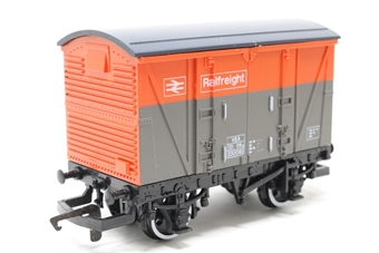 R117-VEA-PO06 B.R Railfreight Ventilated Van (VEA) 230062 - Pre-owned - Like new, imperfect box
